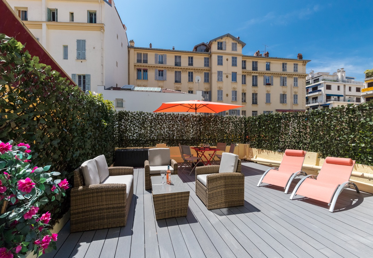 holiday rental with terrace in Nice   ZEN Holiday Rentals