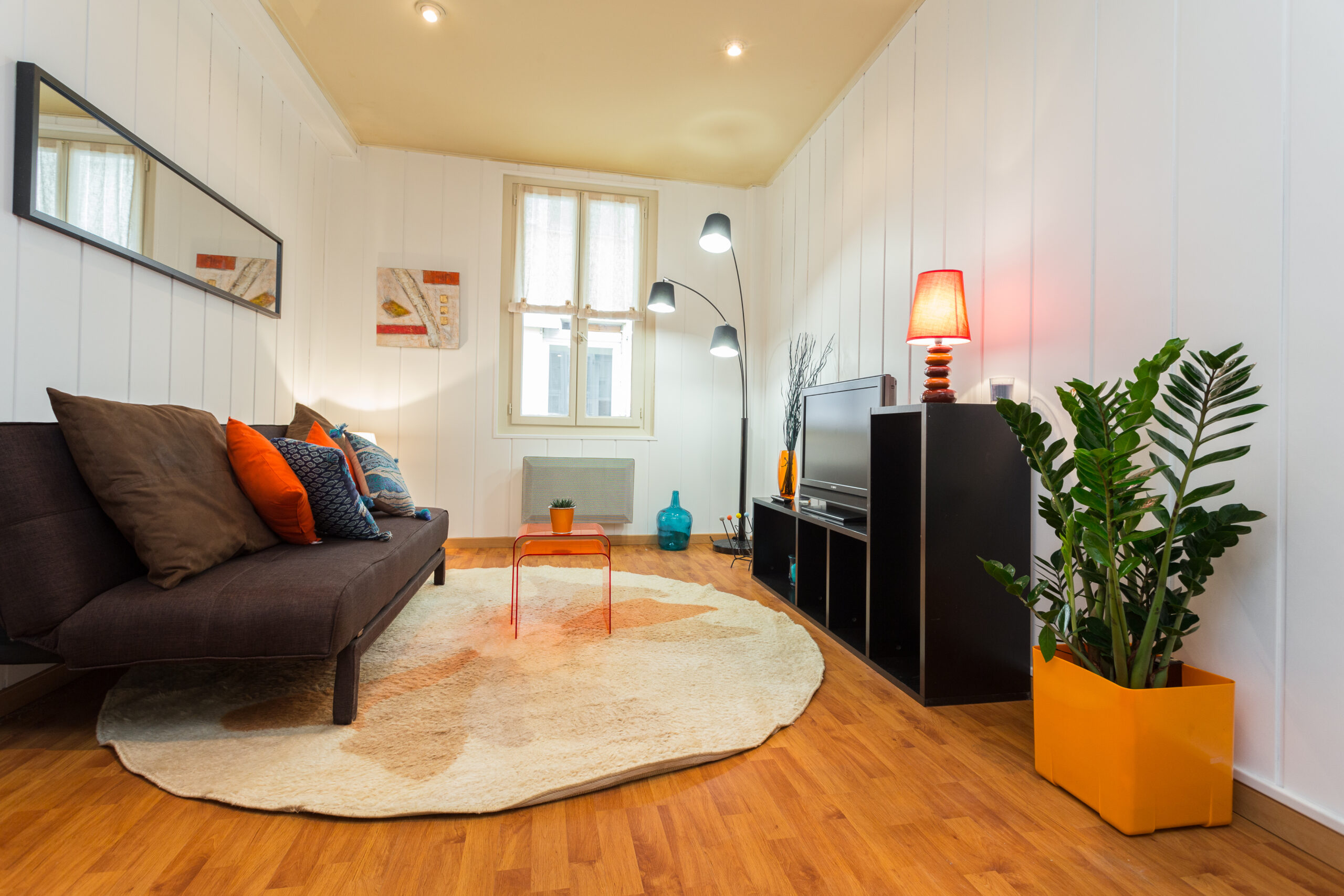 Seafront holiday apartment in Nice