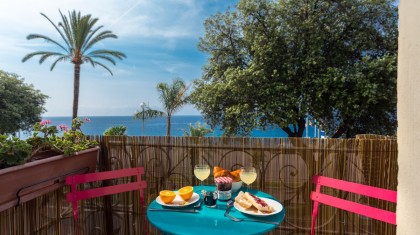 beachfront holiday rental in Nice