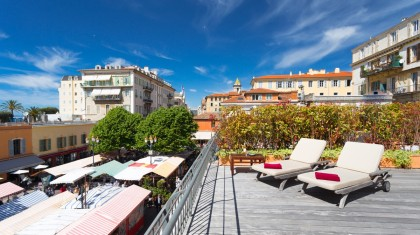 holiday rental with terrace in Nice