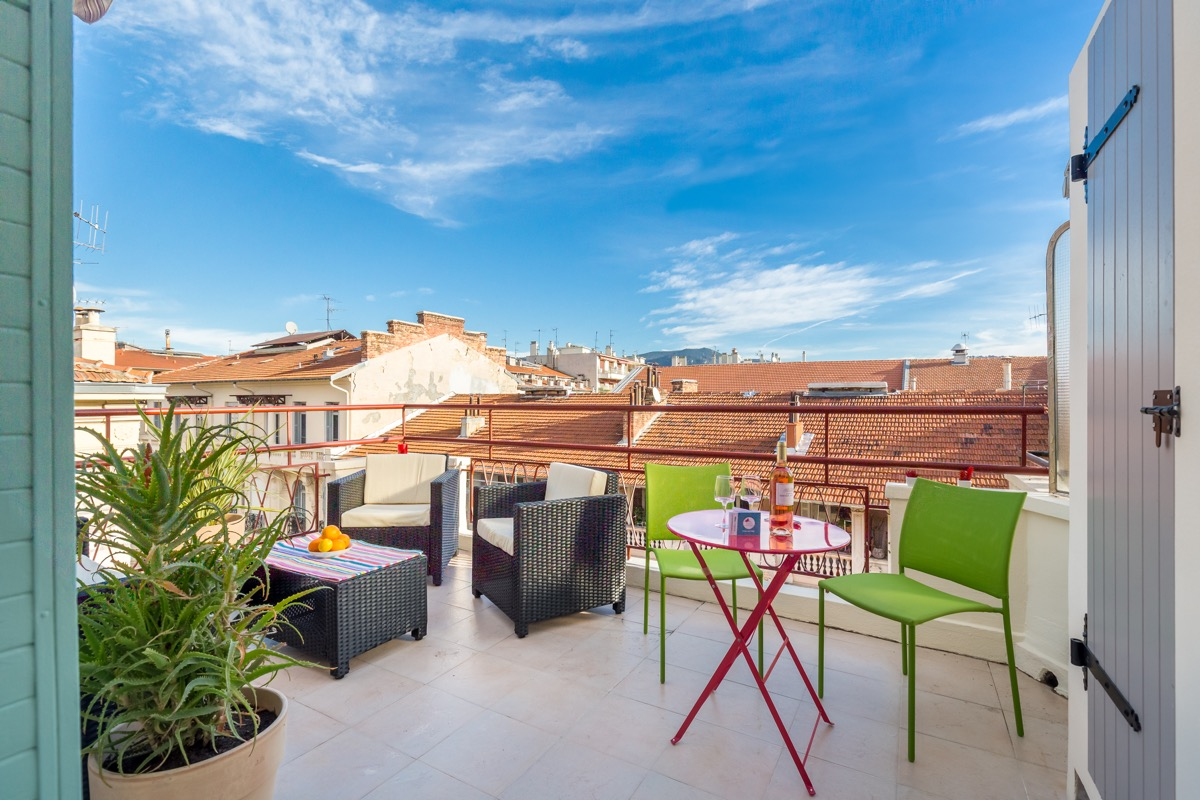 holiday letting with terrace in Nice - ZEN Holiday Rentals