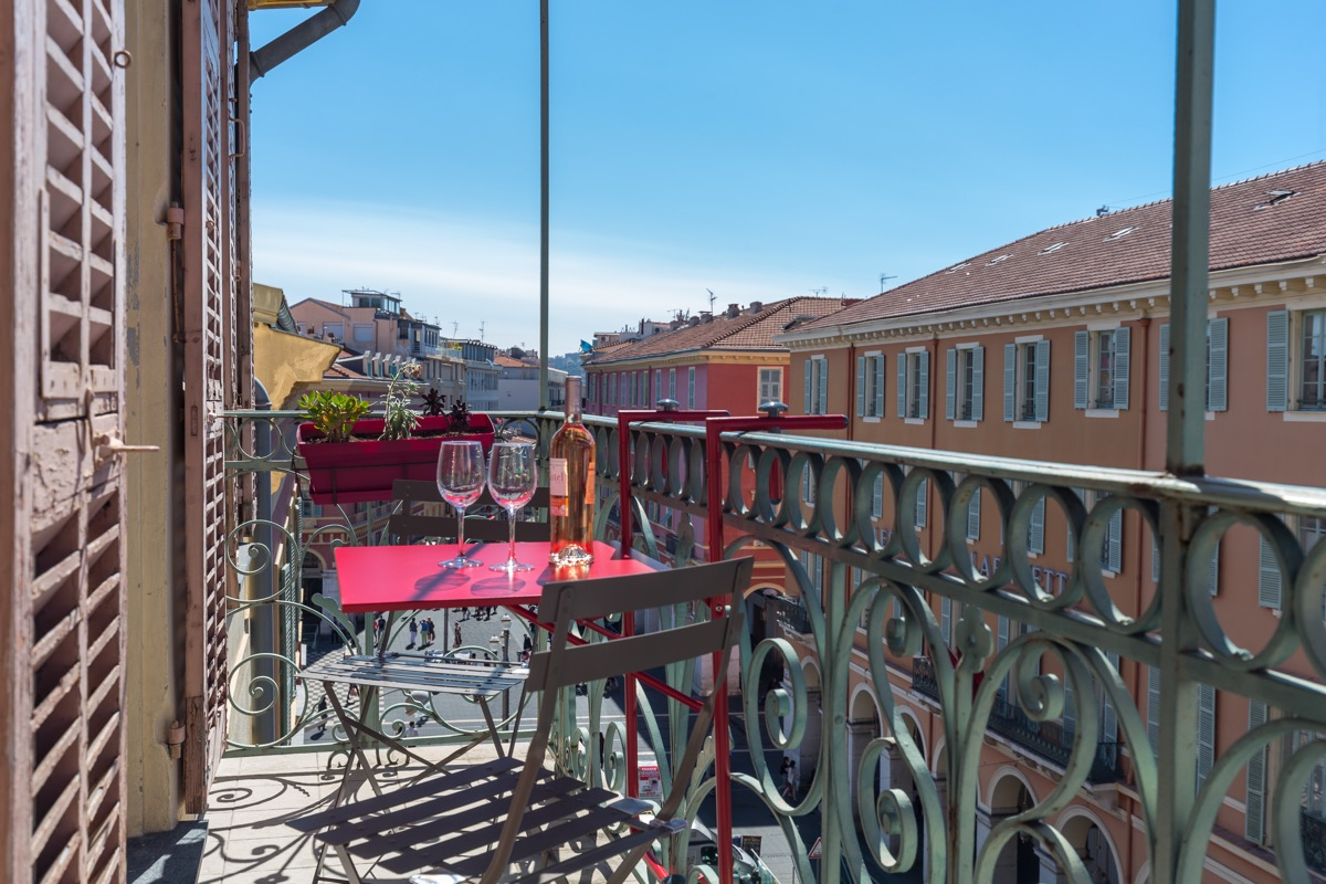 Two bedroom holiday let on Place Massena - ZEN Holiday Rentals in Nice