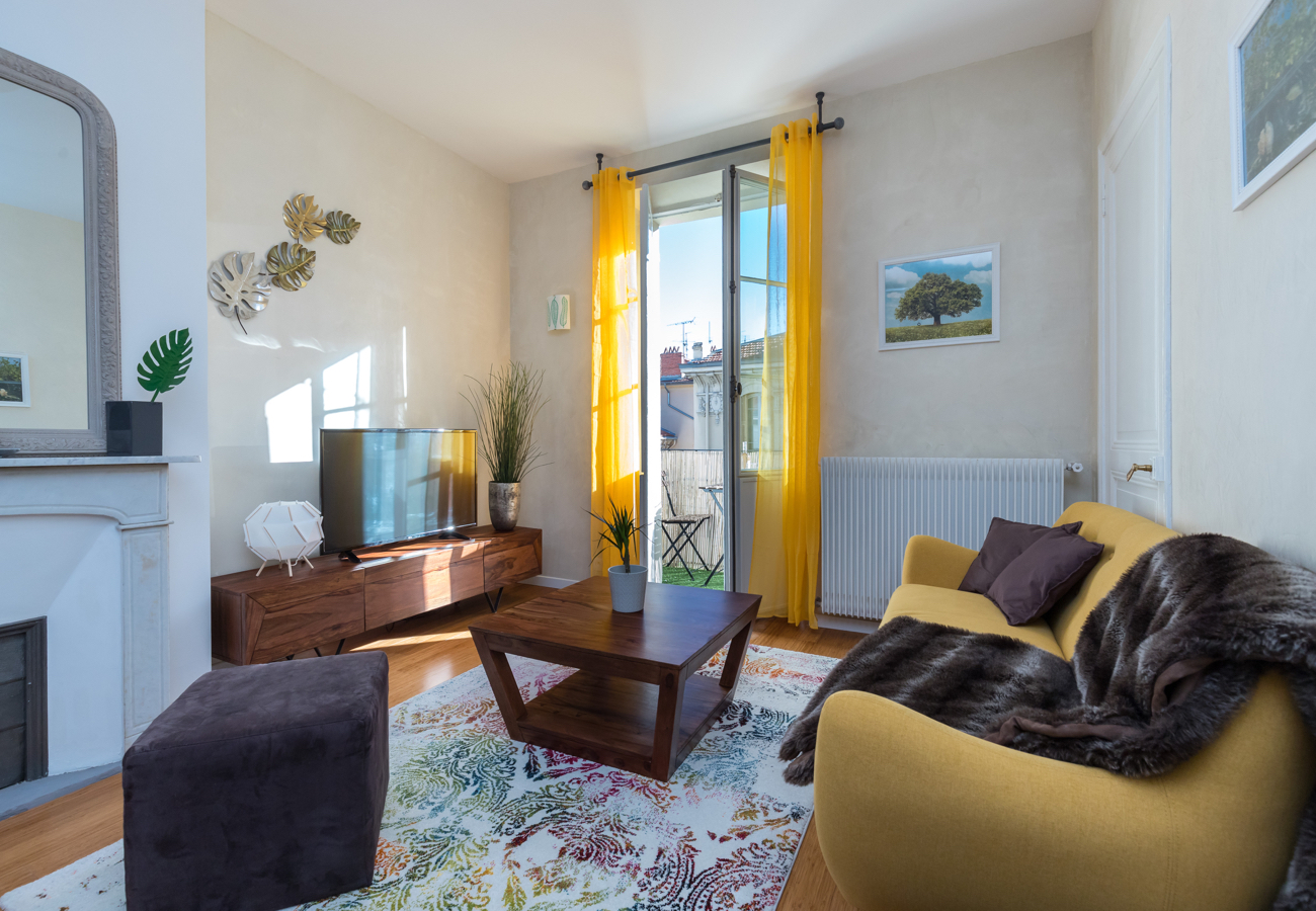 Spacious three bedroom holiday apartment in Nice