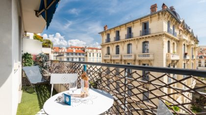holiday let with balcony in Nice | ZEN Holiday Rentals